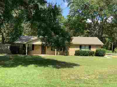 Longview Single Family Home For Sale: 2600 Tryon Rd