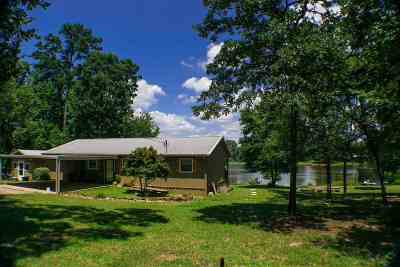 Longview, Carthage, Hallsville, Kilgore, Henderson, Tatum, Beckville, Gary, Elysian Fields, Diana, Ore City, Harleton, Gilmer, Gladewater, Sabine, Daingerfield Single Family Home Active, Option Period: 7015 Beaverwood