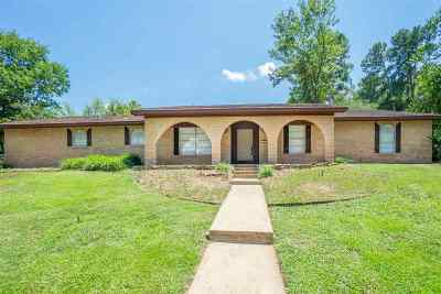 Gladewater TX Single Family Home For Sale: $178,500