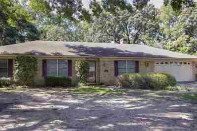 White Oak Single Family Home Active, Option Period: 110 Redbud