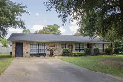 White Oak Single Family Home For Sale: 203 E Kim Street
