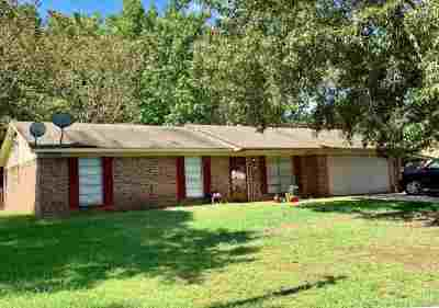 Longview TX Single Family Home For Sale: $120,000
