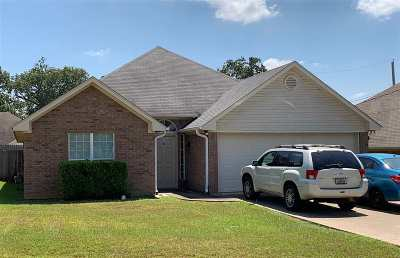 White Oak Single Family Home For Sale: 15 Oak Leaf