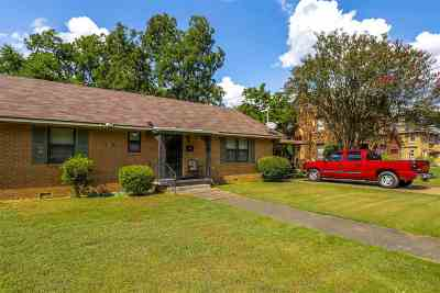 Marshall Single Family Home For Sale: 803/805 W Rusk