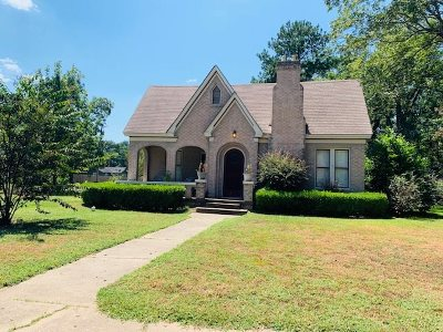 Gilmer Single Family Home Active, Option Period: 802 Mitchell