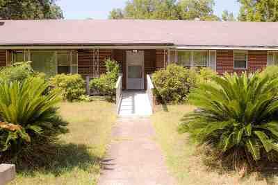 Marshall Single Family Home For Sale: 511 W Burleson