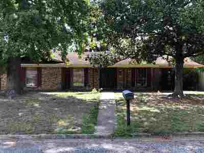 Marshall Single Family Home For Sale: 401 Country Club