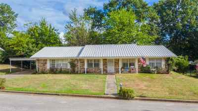 Gilmer Single Family Home For Sale: 1600 Briarwood