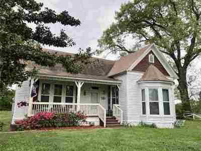 Carthage TX Single Family Home For Sale: $99,900