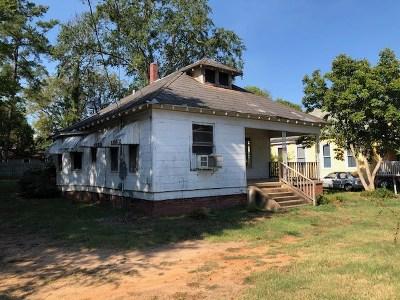 Marshall Single Family Home For Sale: 509 Elm St.