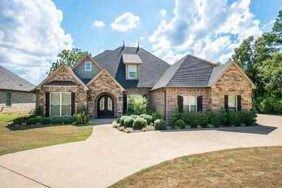 Gregg County Single Family Home For Sale: 2905 Fairway Oaks