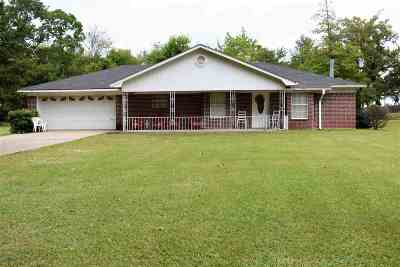 Longview TX Single Family Home For Sale: $160,000