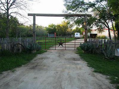 Farm & Ranch Sold: 37905 Fm 914