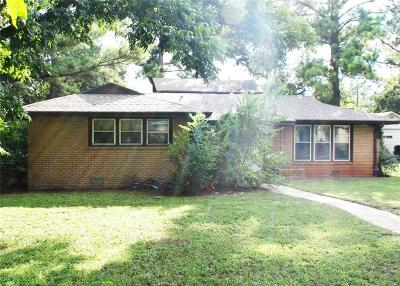 Single Family Home Sold: 810 N Lydia Street