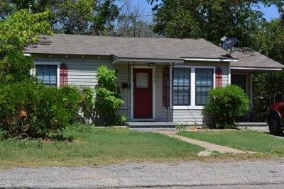 Stephenville Single Family Home For Sale: 1425 W Groesbeck Street