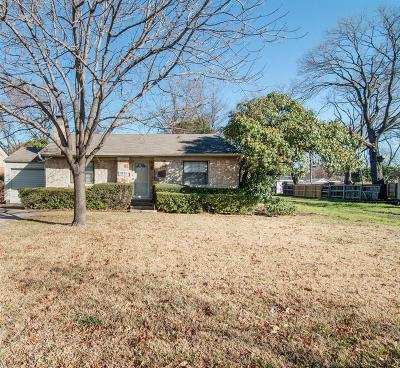 Single Family Home For Sale: 7821 Lovers Lane