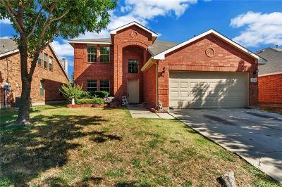 Grand Prairie Single Family Home For Sale: 2879 Westover Drive