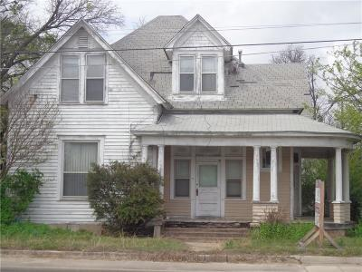 Brown County Single Family Home For Sale: 1001 Main Street