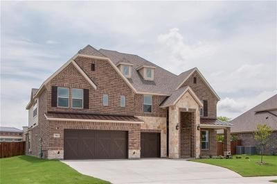 Mansfield Single Family Home For Sale: 702 Minecreek Court