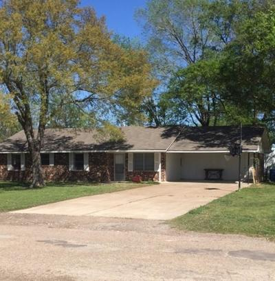 Single Family Home Sold: 106 Twin Circle