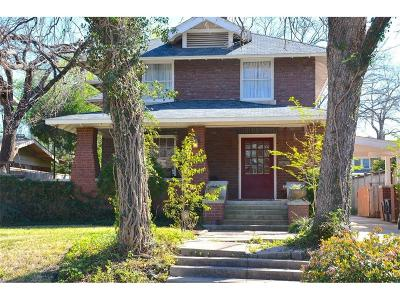 Tarrant County Single Family Home For Sale: 2215 Edwin Street