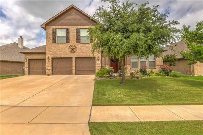 Benbrook Single Family Home For Sale: 504 Magnolia Parkway