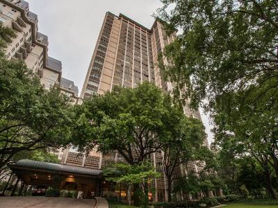 Condo Active Kick Out: 3525 Turtle Creek Boulevard #3B