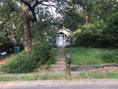 Denton Single Family Home For Sale: 903 S Elm Street