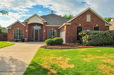 Tarrant County Single Family Home For Sale: 2605 Chambray Lane