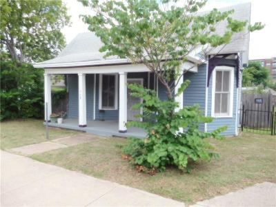 Single Family Home For Sale: 908 E 3rd Street