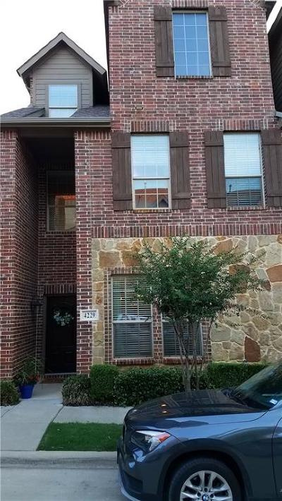 Carrollton Townhouse Active Contingent: 4229 Riverview Drive