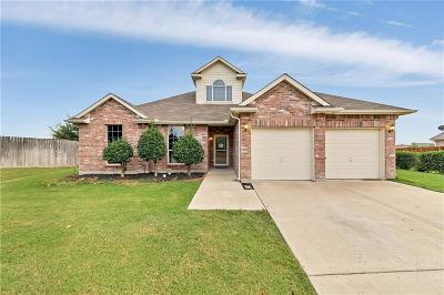 Fort Worth TX Single Family Home For Sale: $257,000