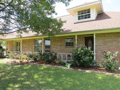Haslet Single Family Home For Sale: 305 Berry Drive