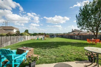 Saginaw Single Family Home For Sale: 753 Hemlock Trail