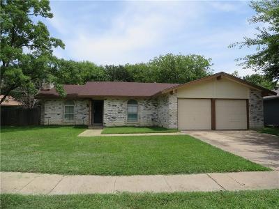 Arlington Single Family Home For Sale: 1805 Guinevere Street