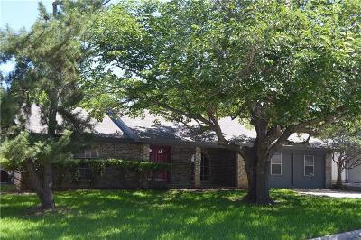 Bedford, Euless, Hurst Single Family Home For Sale: 1020 Black Street