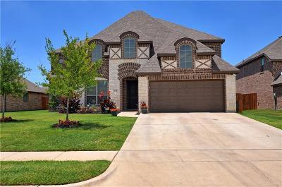Burleson Single Family Home For Sale: 2718 Buffalo Run
