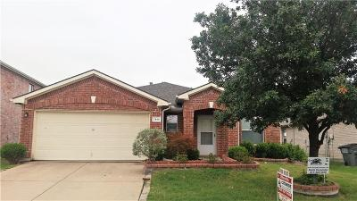 Little Elm Single Family Home For Sale: 2144 Royal Acres Trail