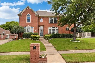 North Richland Hills Single Family Home Active Contingent: 8611 Castle Creek Court