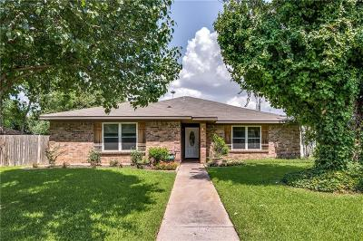 Grapevine Single Family Home Active Contingent: 2364 Mockingbird Drive