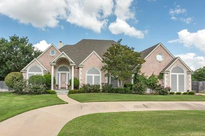 Kennedale Single Family Home For Sale: 1004 Colonial Court