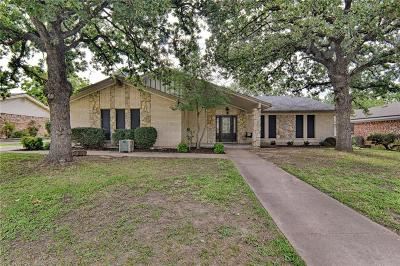Hurst Single Family Home For Sale: 1720 Cynthia Lane