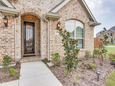 Fort Worth Single Family Home For Sale: 14700 Cedar Flat Way