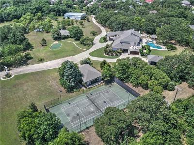 Tarrant County Single Family Home For Sale: 2325 Oak Knoll Drive