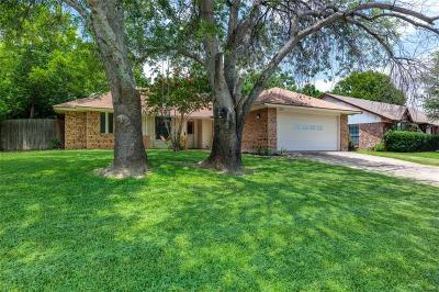 Grapevine Single Family Home For Sale: 2838 Cripple Creek Trail