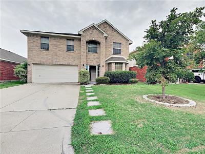 Fort Worth Single Family Home For Sale: 4625 Summer Oaks Lane