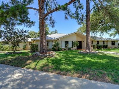 Azle Single Family Home For Sale: 420 Driftwood Court