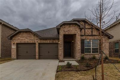 Fort Worth Single Family Home For Sale: 2449 Whispering Pines Drive