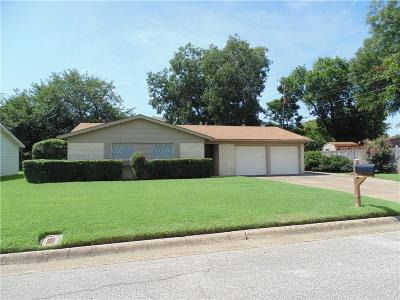 Bedford, Euless, Hurst Single Family Home For Sale: 104 Donald Drive