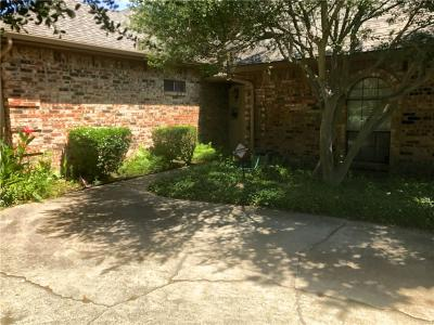 Dallas Half Duplex For Sale: 3002 Westforest Drive